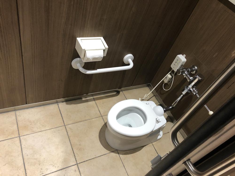 カワスイ 川崎水族館 トイレ 子供