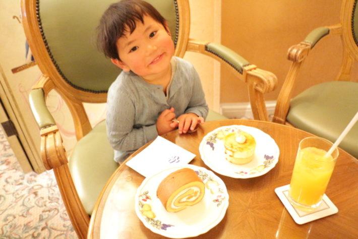 子連れカフェ 横浜 赤ちゃん 横浜ロイヤルパークホテル みなとみらい ケーキショップ ラウンジ コフレ
