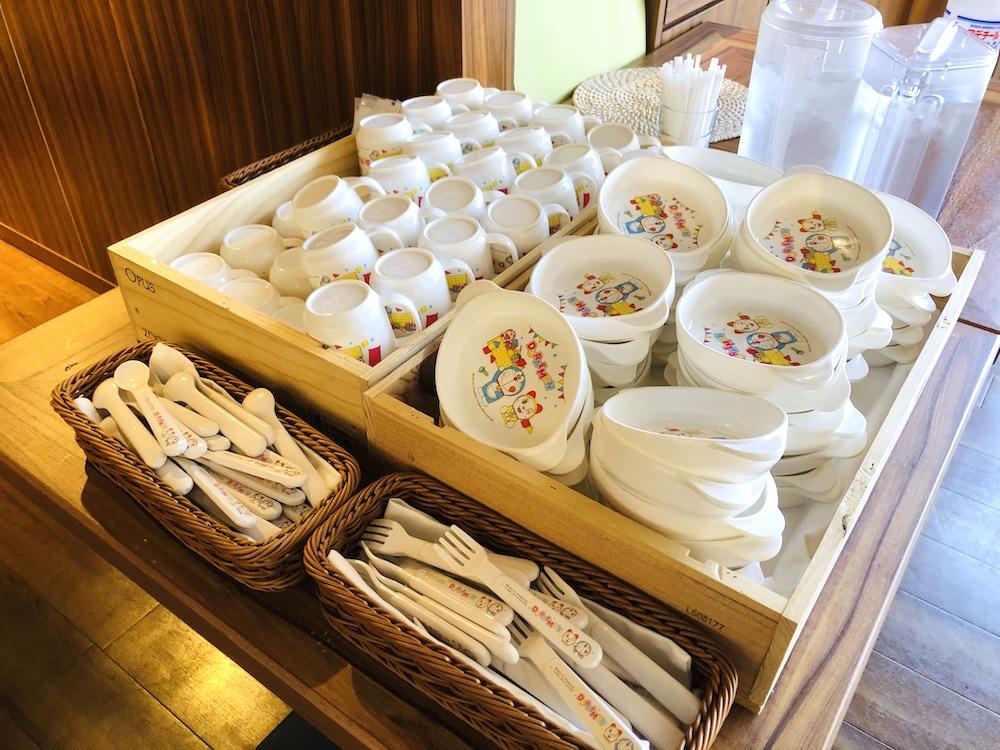 カワスイ 川崎水族館 水族館 川崎 子連れ お出かけ 子供連れ ナマズ たまずん レストラン ビュッフェ キッズチェア カトラリー